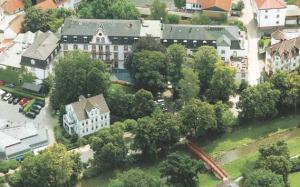 Kurkliniken Hessen: Gesundheits-Resort Dr. Wüsthofen in Bad Salzschlirf