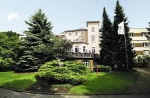 Rehakliniken Hessen: Asklepios Hirschpark Klinik in Alsbach-Hähnlein