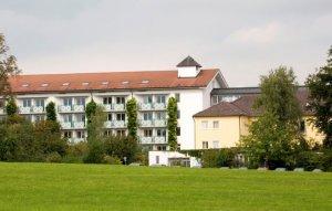 Rehaklinik Bayern: Schön Klinik Harthausen Bad Aibling Deutschland