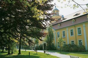 Rehakliniken: HELIOS Klinik Schloss Pulsnitz Sachsen Deutschland