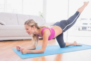Aktuelles: Workout gegen den Winterspeck - einfache Übungen für zuhause