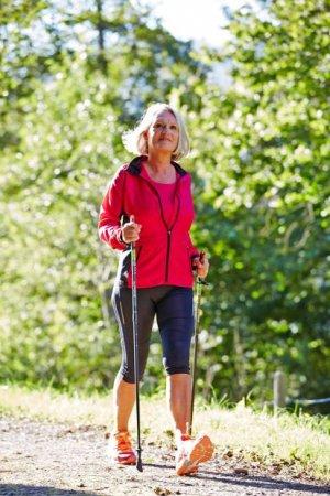 Ratgeber: Auf basische Ernährung kommt es an - Arthrose: Gelenkbeschwerden