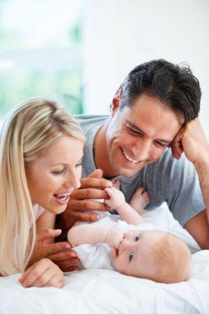 Aktuelles: Was tun bei unerfülltem Kinderwunsch? Umfrage: Keine Berührungsängste