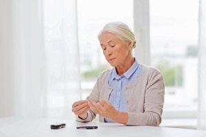 Ratgeber: Diabetes gefährdet die Gefäße - Zuckerkranke Menschen