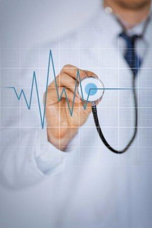 Ratgeber: Bei Kälte steigt der Blutdruck - Experten raten: Hohe Werte im Winter