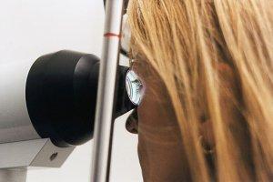 Aktuelles: Hornhaut: Mini-Implantat erspart kompletten Austausch