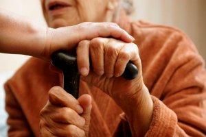 Aktuelles: Pflegende Angehörige sind häufiger depressiv - DAK-Pflegereport